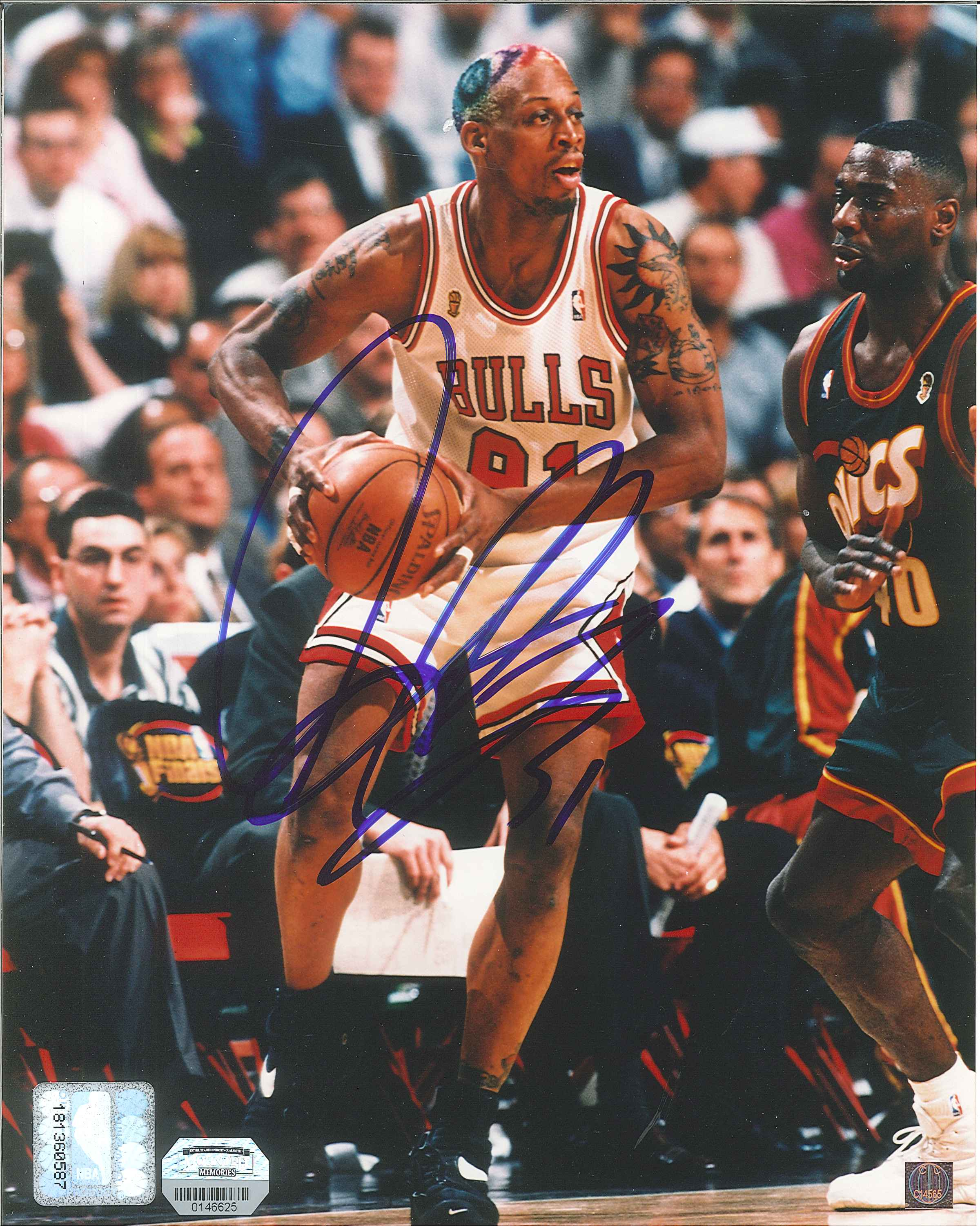 big sale b0c39 9bff7 Dennis Rodman Autographed Chicago Bulls 8 x 10 Photo