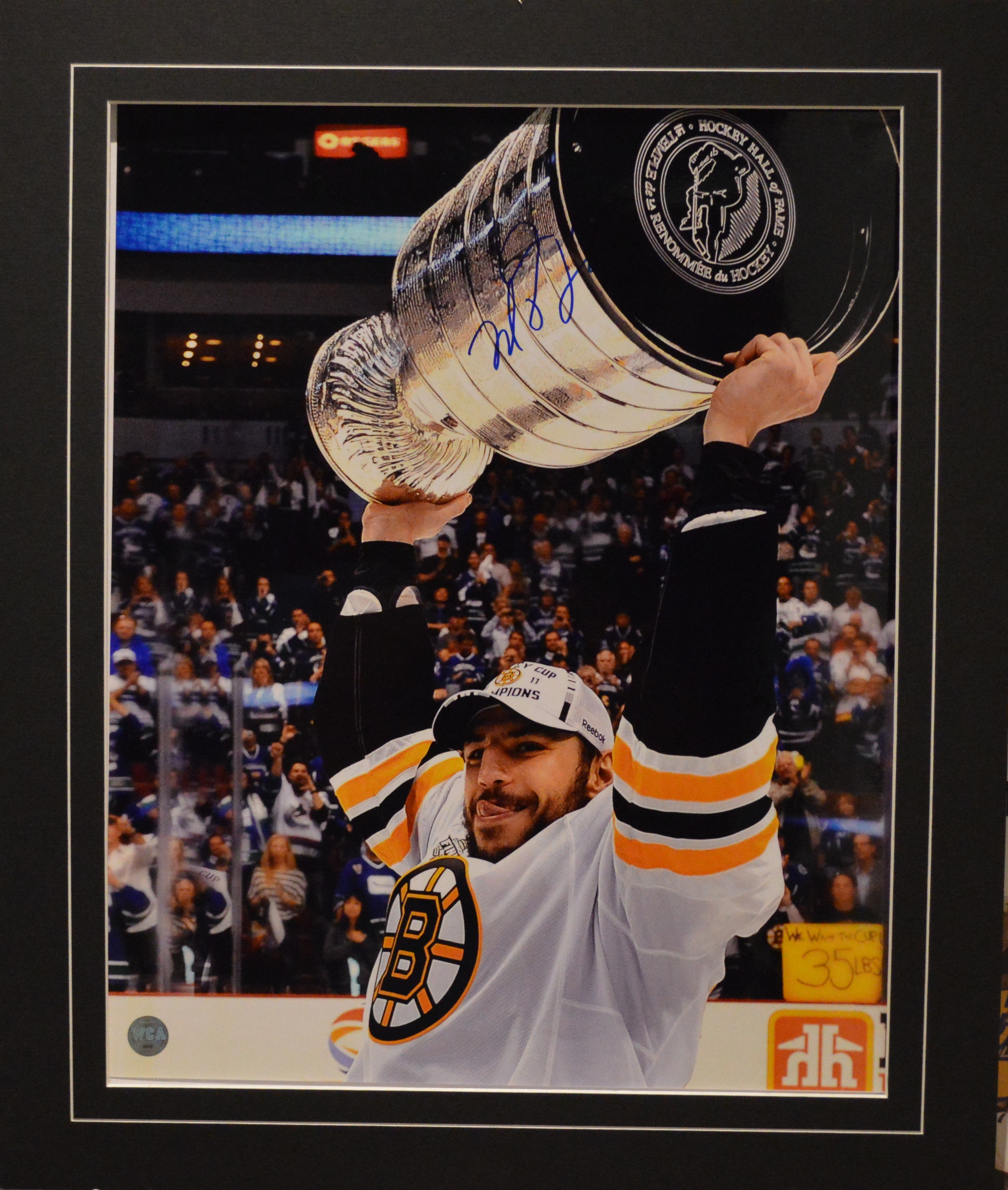 separation shoes 7f7fa c5431 Milan Lucic Autographed Boston Bruins 16 x 20 Photo