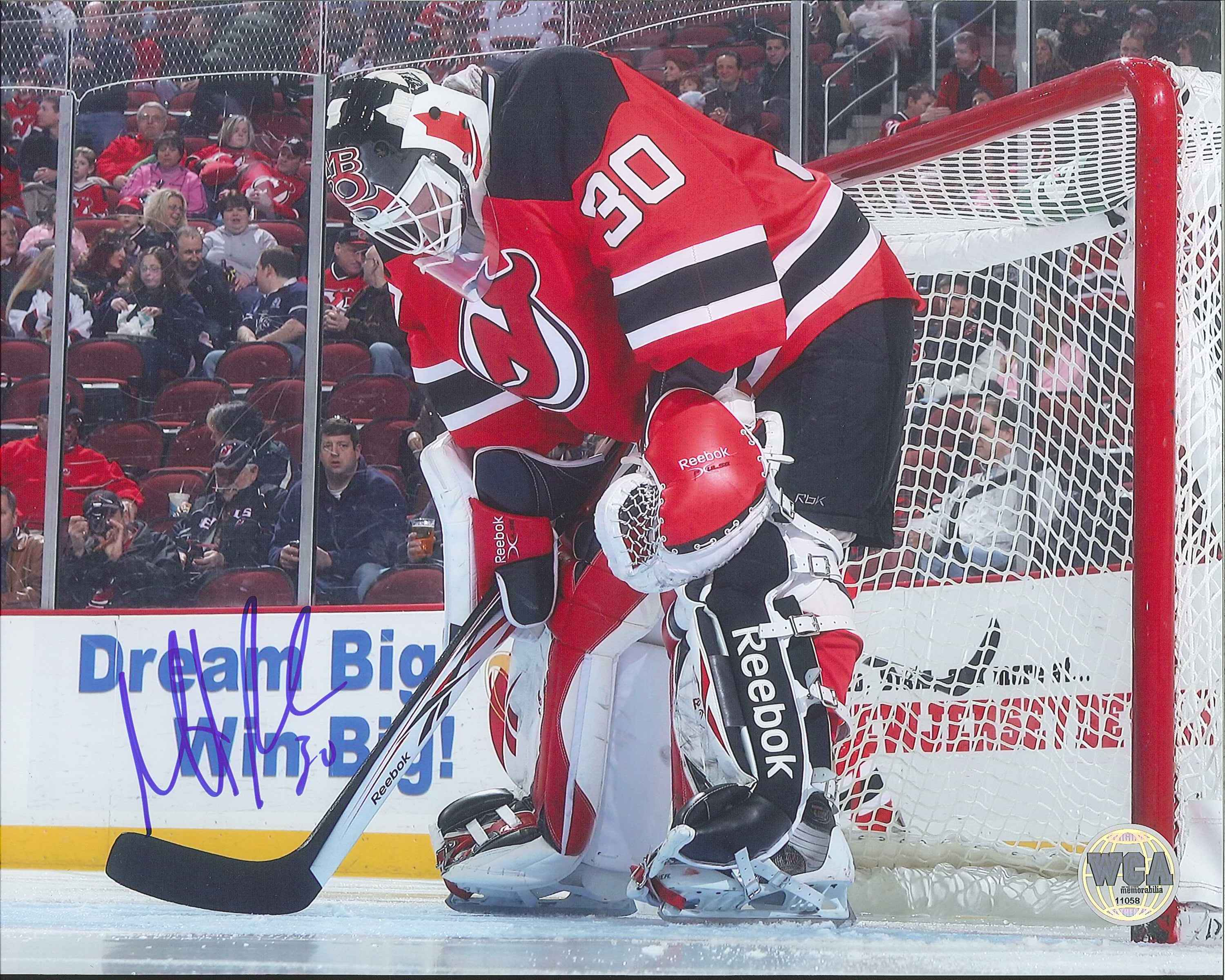 competitive price 5a1b1 32117 Martin Brodeur Autographed New Jersey Devils 8 x 10 Photo