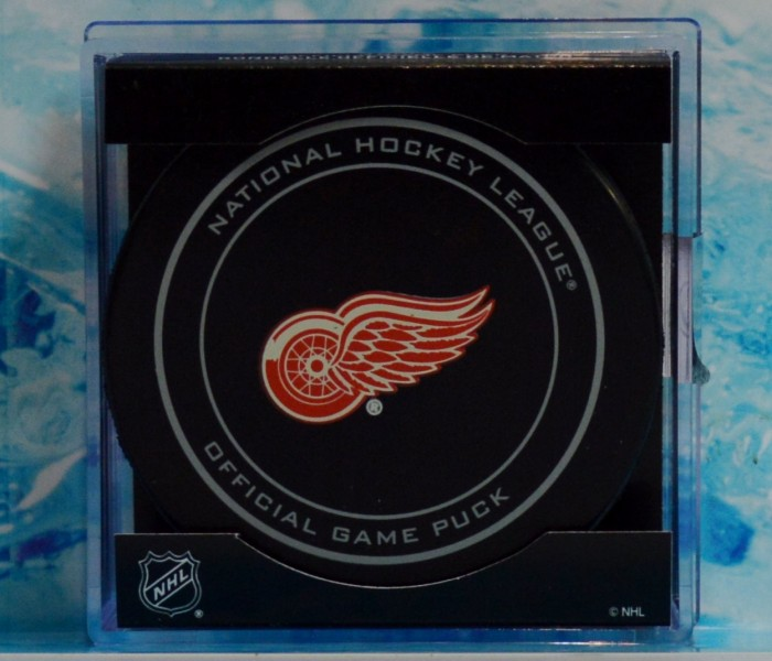 west_coast_authentic_nhl_red_wings_unsigned_puck2