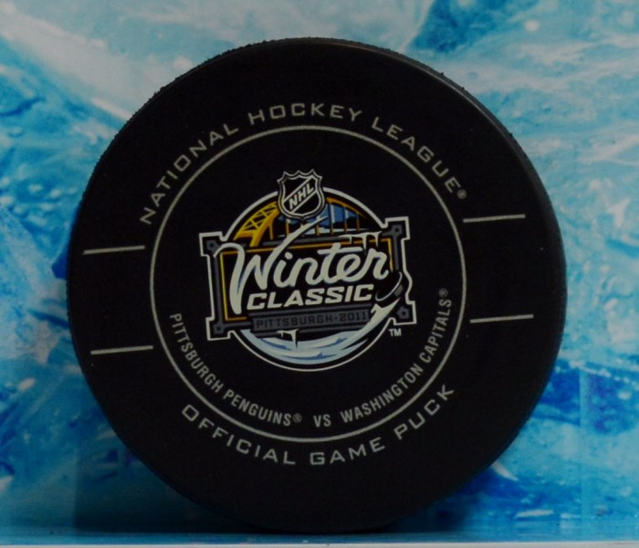 west_coast_authentic_nhl_winter_classic_2011_unsigned_puck