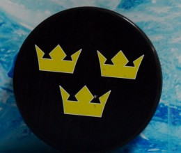 west_coast_authentic_world_cup_team_sweden_unsigned_puck