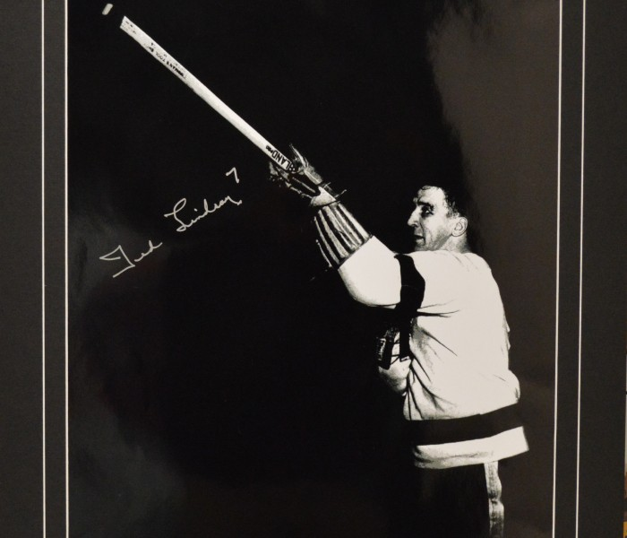 West_Coast_Authentic_NHL_Red_Wings_Ted_Lindsay_Autographed_Photo(1)