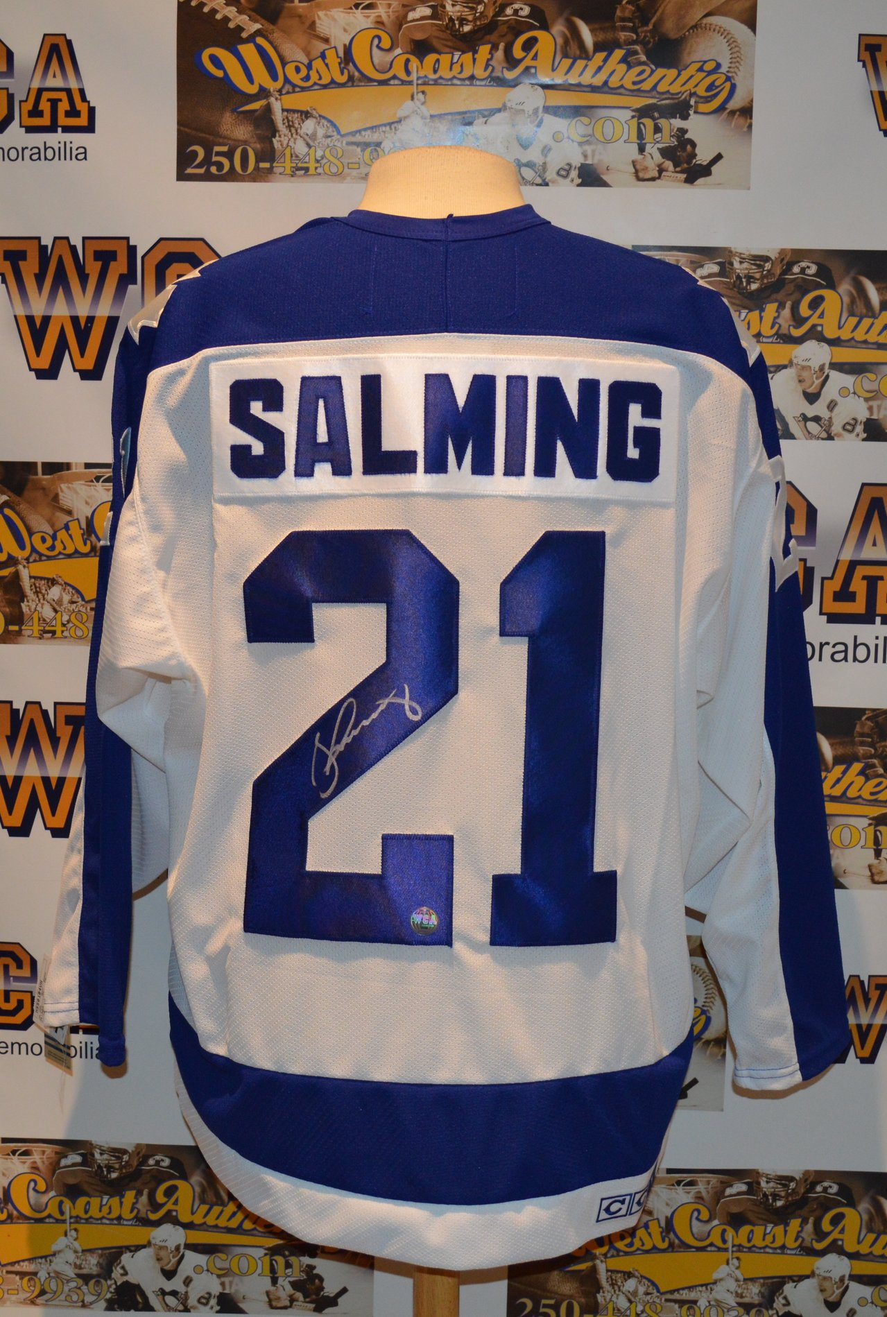 on sale ddf39 19e2a Borje Salming Autographed Toronto Maple Leafs Jersey