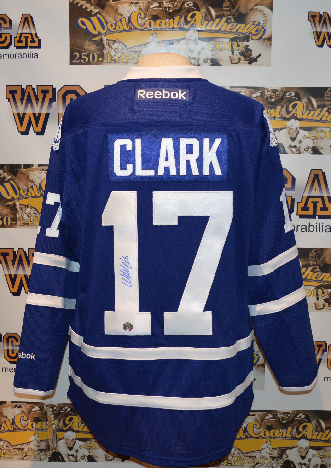 finest selection 90033 0fe1b Wendel Clark Autographed Toronto Maple Leafs Jersey