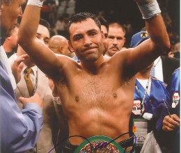 West_Coast_Authentic_Boxing_Oscar_de_La_Hoya_Autographed_Photo(2)