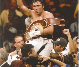 West_Coast_Authentic_Boxing_Oscar_de_La_Hoya_Autographed_Photo(3)