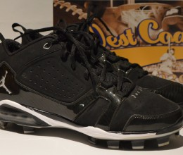 West_Coast_Authentic_MLB_Yankees_Derek_Jeter_Game_Used_Cleats_Shoes2