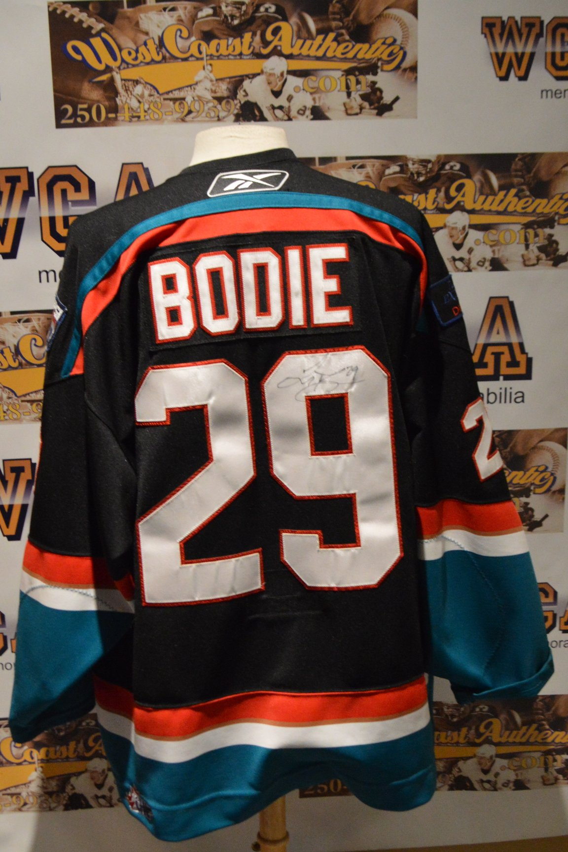finest selection bfe04 2019a Troy Bodie Autographed Game Used Kelowna Rockets Jersey