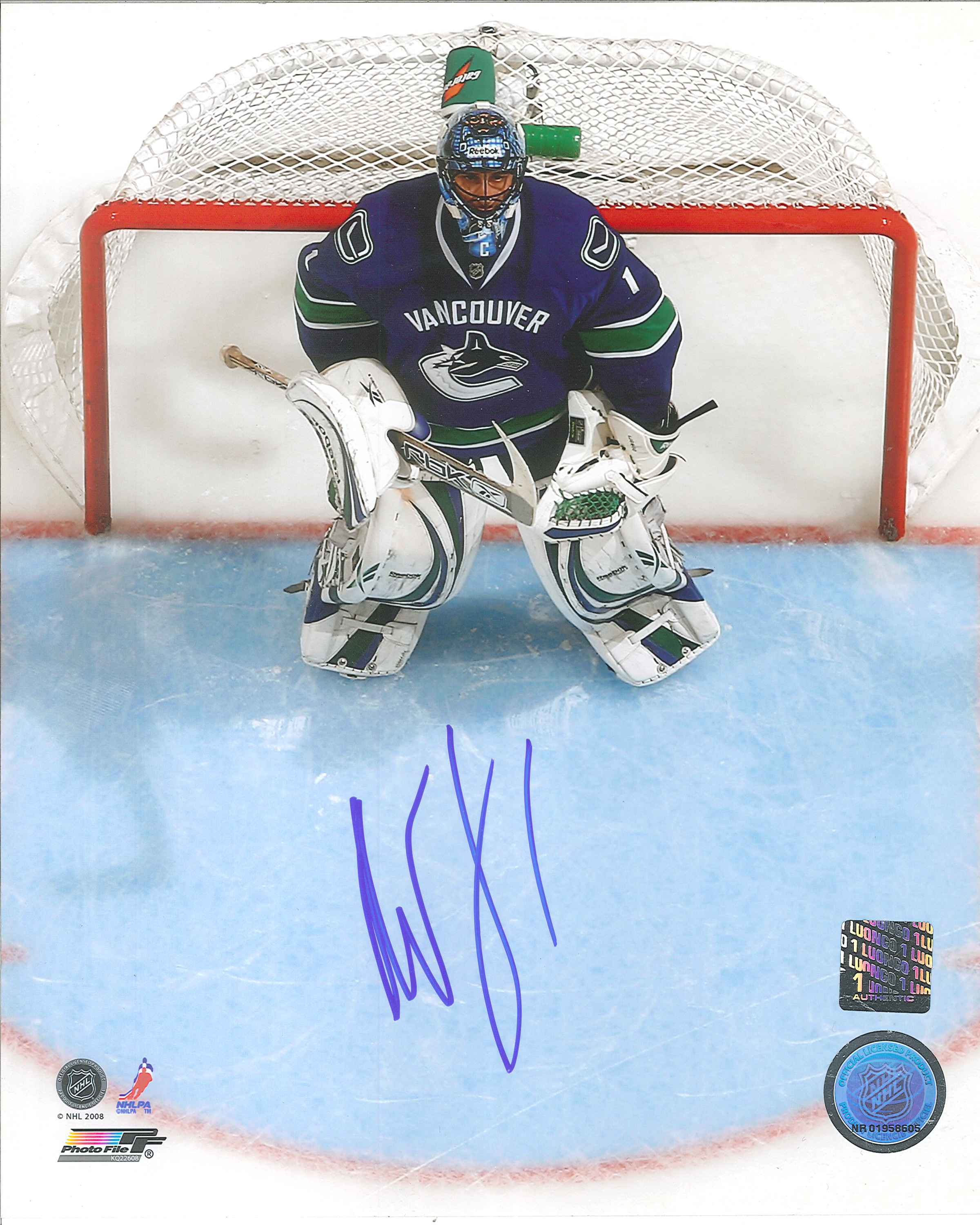 27db01d87 ... Roberto Luongo Autographed Vancouver Canucks 8 x 10 Photo.  20180606141411925 0013