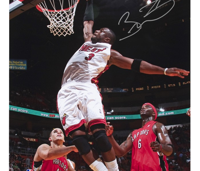 dwyane-wade-autographed-picture-flash-dunk-75796