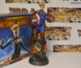 West_Coast_Authentic_Captain_Marvel_Sideshow