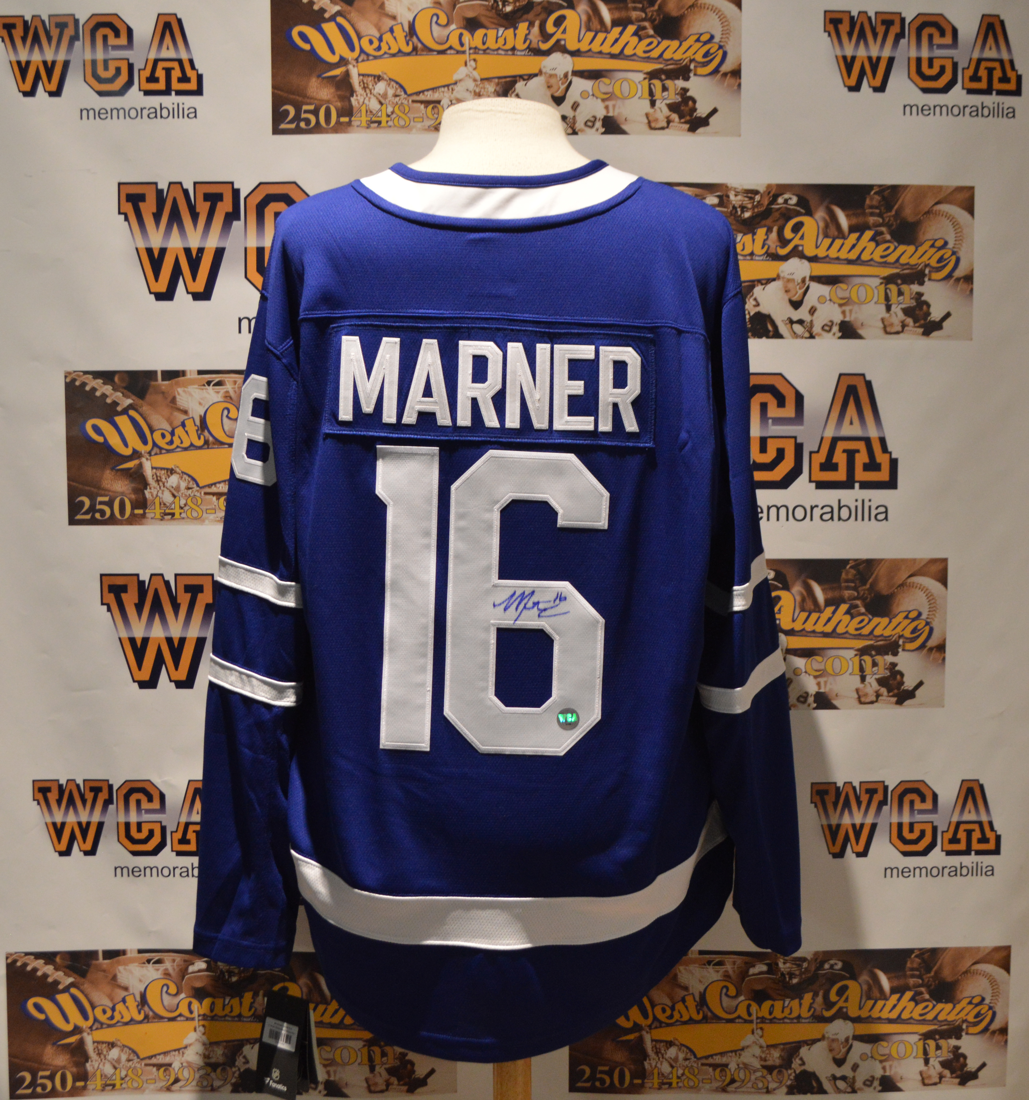 buy popular 1399a 32649 Mitch Marner Autographed Toronto Maple Leafs Jersey