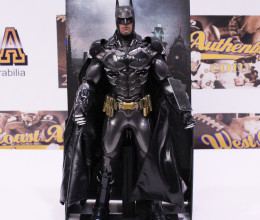 West_Coast_Authentic_Sideshow_Arkham_Batman