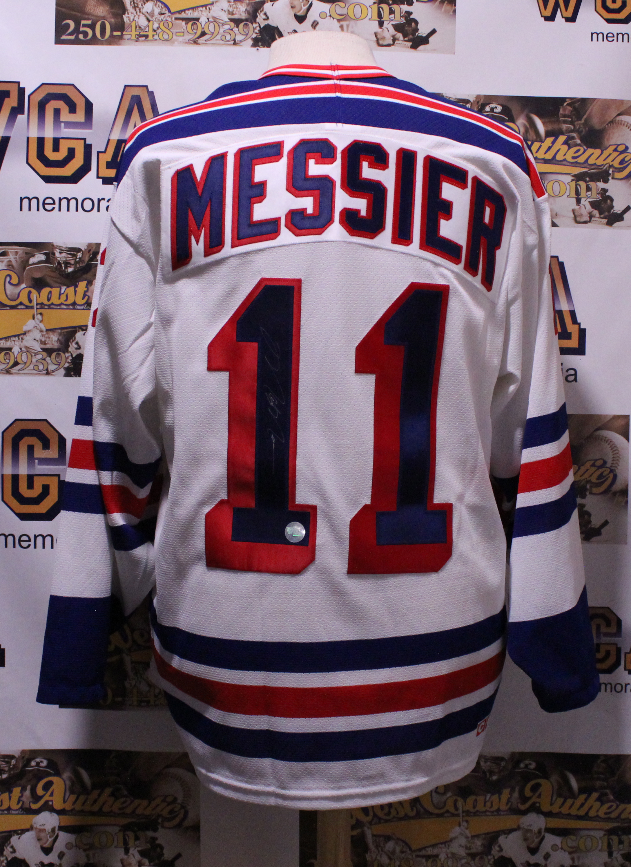 sports shoes 080d3 c98b7 Mark Messier Autographed New York Rangers Jersey
